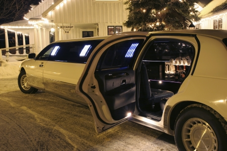 11677016 - your limo is waiting