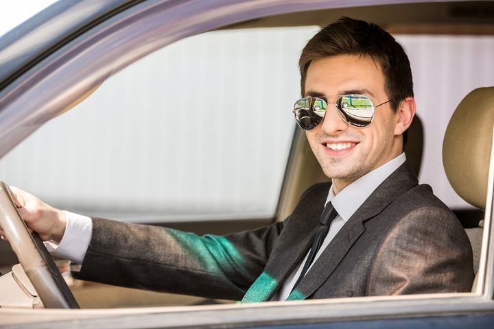All the drivers are skilled and qualified, so you don't need to feel car travel anxiety.